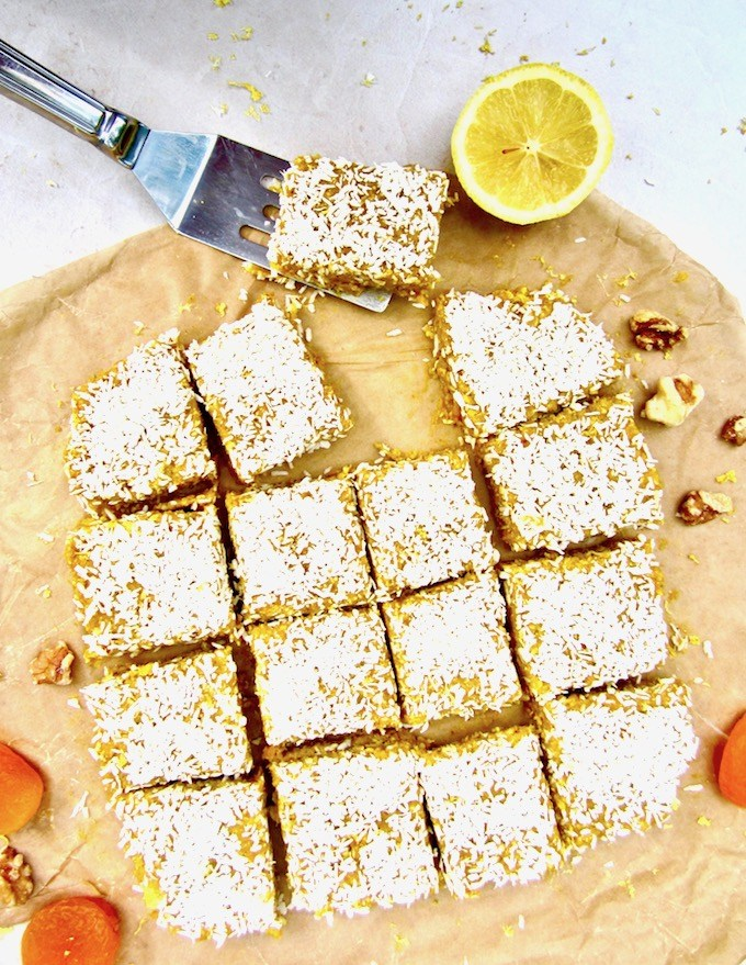 No-Bake-Apricot-Turmeric-Lemon-Energy-Bars-3
